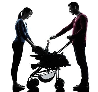junges Paar mit Kind